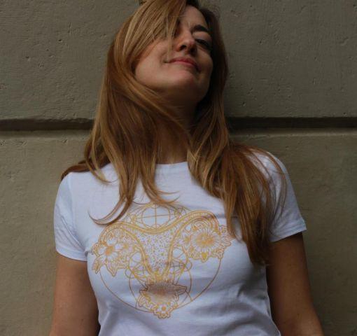 Camiseta Blanca Utero Dorado M