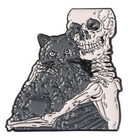 Pin Esqueleto con Gatito