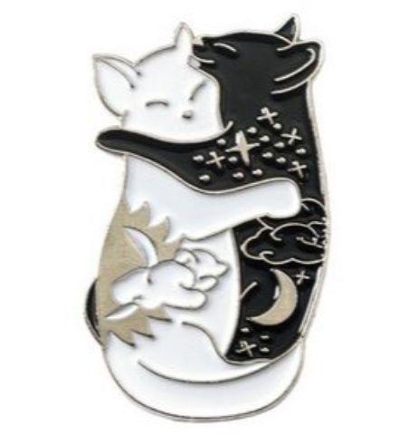 Pin Gatos Abrazados