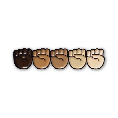 Pin Manos Black Lives Matter